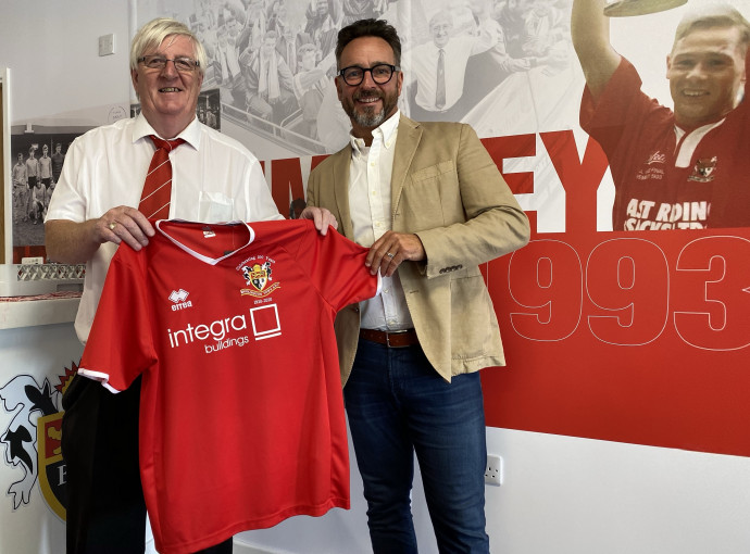 Modular buildings firm backs Bridlington Town after completing new clubhouse