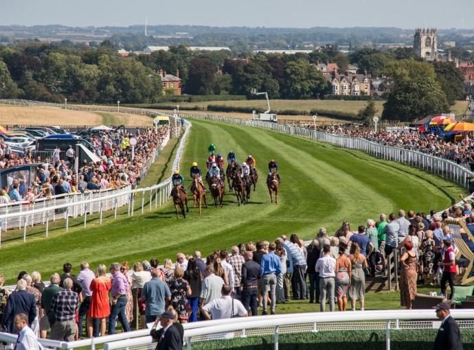 Beverley Racecourse hailed among top national courses