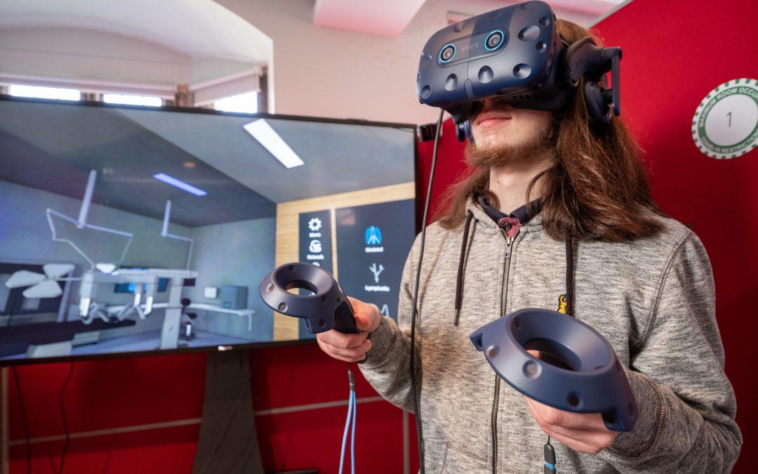 University of Hull unveils new £200k emergent technology lab